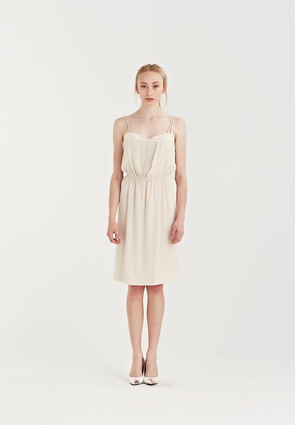 Bridesmaid-Juliette-Hogan-neautral-colours-cool-best-designer3