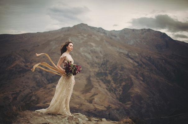 dark-romantic-purple-gold-forest-wedding-inspiration64