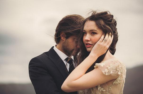 dark-romantic-purple-gold-forest-wedding-inspiration65