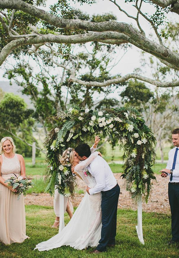 grace-loves-lace-pineapple-farm-wedding9