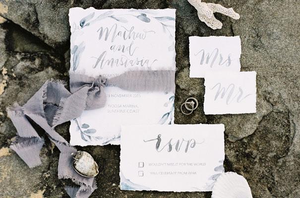 nautical-beach-coastal-blue-white-wedding-inspiration-a-darling-affair5