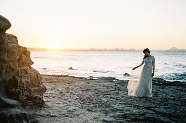 nautical-beach-coastal-blue-white-wedding-inspiration-a-darling-affair8