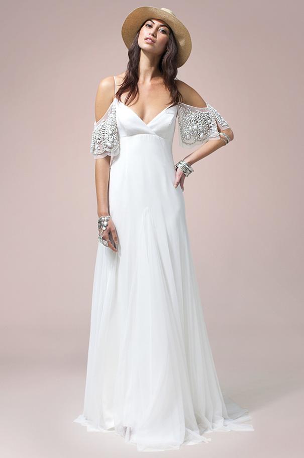 rue-de-seine-2016-bridal-gown-wedding-dress-nomad-boho-romantic-beaded-backless-crochet18