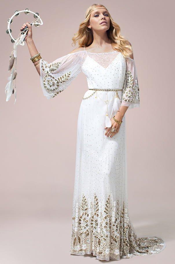 rue-de-seine-2016-bridal-gown-wedding-dress-nomad-boho-romantic-beaded-backless-crochet19