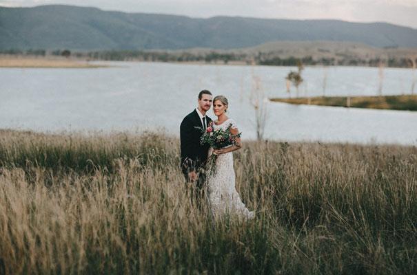 rue-de-seine-luke-going-barn-country-wedding30