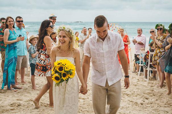 stradbroke-island-teeki-style-beach-coastal-barefoot-bride-wedding13