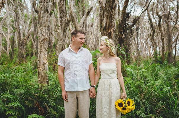 stradbroke-island-teeki-style-beach-coastal-barefoot-bride-wedding20