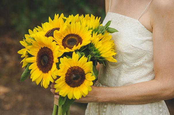stradbroke-island-teeki-style-beach-coastal-barefoot-bride-wedding9