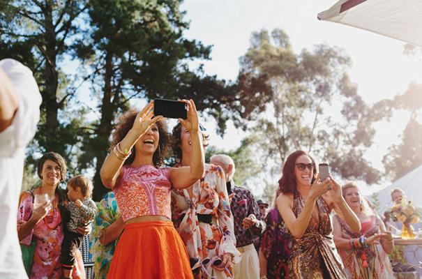 70s-retro-vintage-jewish-bright-fun-wedding-inspiration17