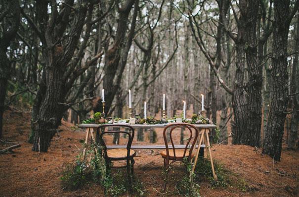 dark-woodland-forest-wedding-styling-inspiration3