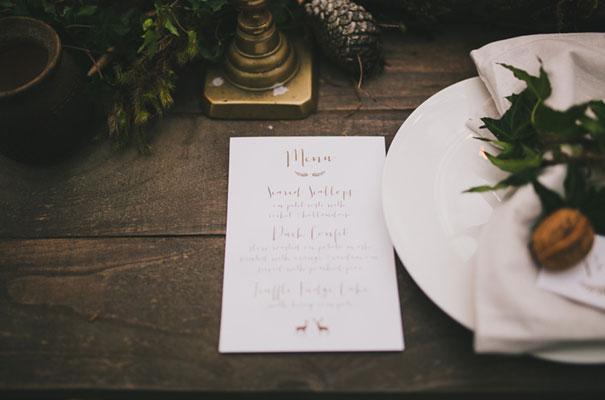 dark-woodland-forest-wedding-styling-inspiration5
