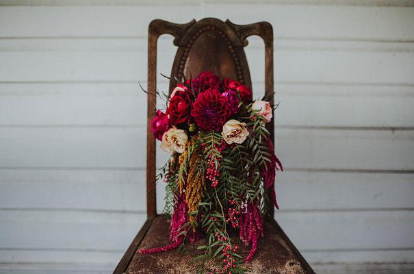 floral-ceremony-reception-tipi-styling-wedding-insporation-justin-aaron6
