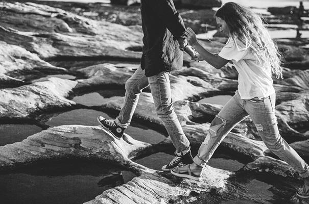 golden-hour-sunset-white-tshirt-jeans-converse-beach-engagement10