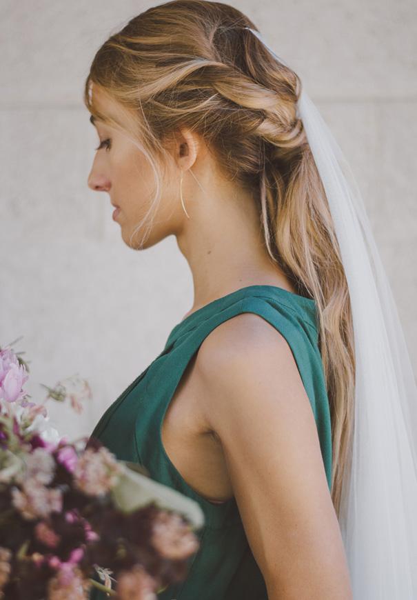inspiration-peonies-green-wedding-dress-wedding-mud-cake204