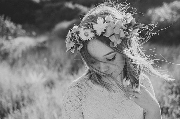 michelle-fiona-engagement-wedding-flower-crown-golden-hour4
