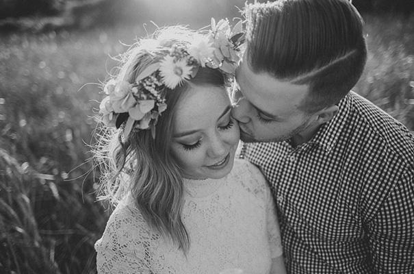 michelle-fiona-engagement-wedding-flower-crown-golden-hour9