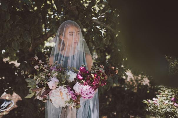 peonies-green-wedding-dress-wedding-mud-cake10