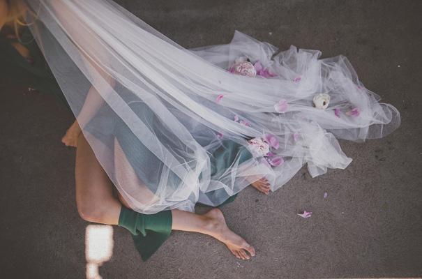 peonies-green-wedding-dress-wedding-mud-cake15