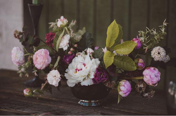 peonies-green-wedding-dress-wedding-mud-cake17