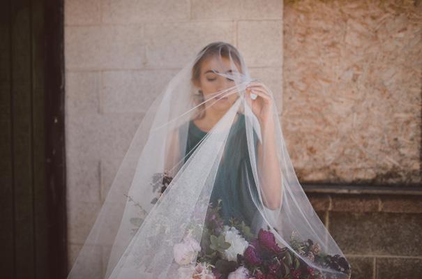 peonies-green-wedding-dress-wedding-mud-cake18