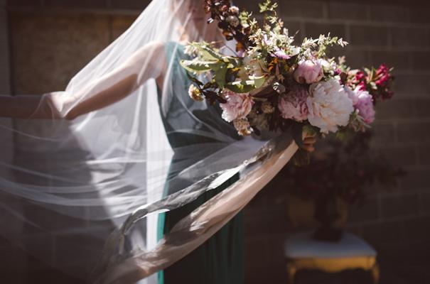 peonies-green-wedding-dress-wedding-mud-cake5
