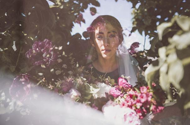 peonies-green-wedding-dress-wedding-mud-cake8