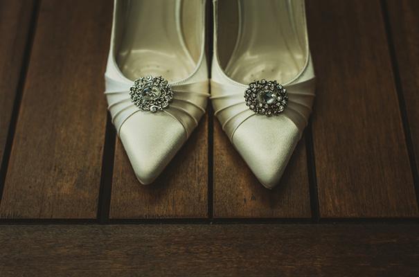 vintage-retro-elegant-bridal-gown-wedding-dress