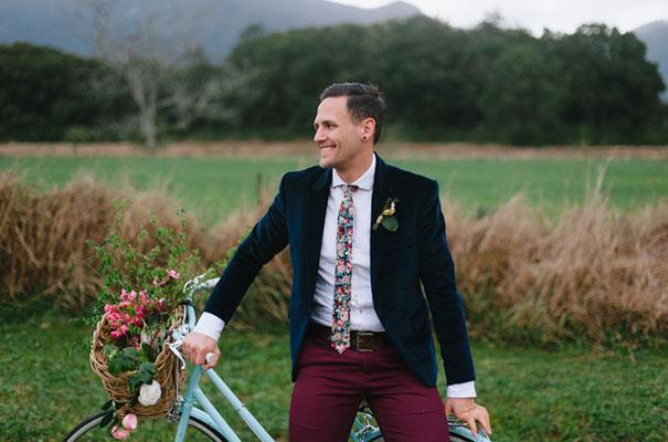 DIY-bright-fun-backyard-wedding35