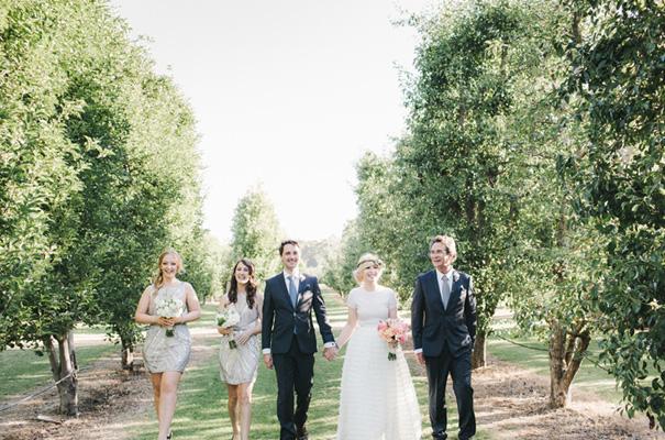backyard-wedding-inspiration-flower-crown15