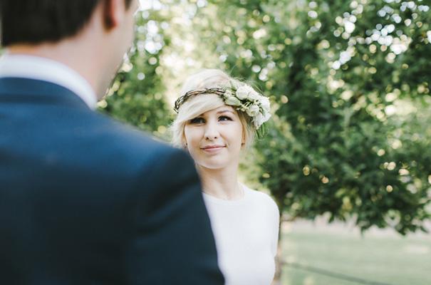 backyard-wedding-inspiration-flower-crown23