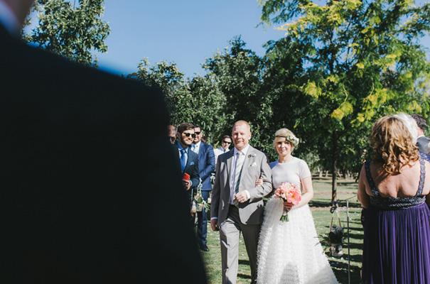 backyard-wedding-inspiration-flower-crown9