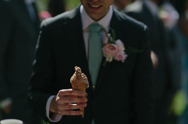 melbourne-urban-wedding-oli-sansom-blush-pink-vintage-retro-wedding-bridal-gown17