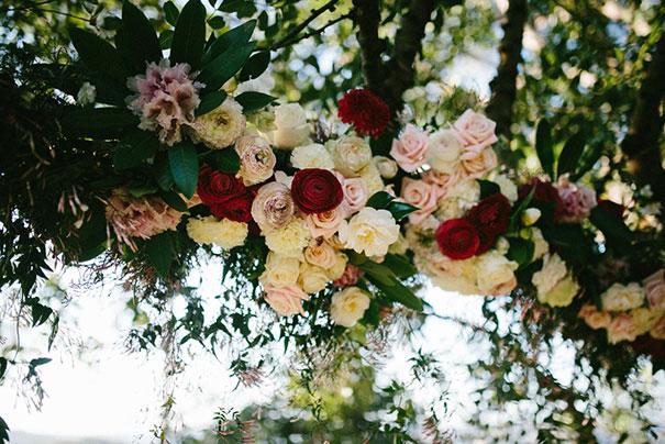 SK--133_Floral-tree-garland-closeup