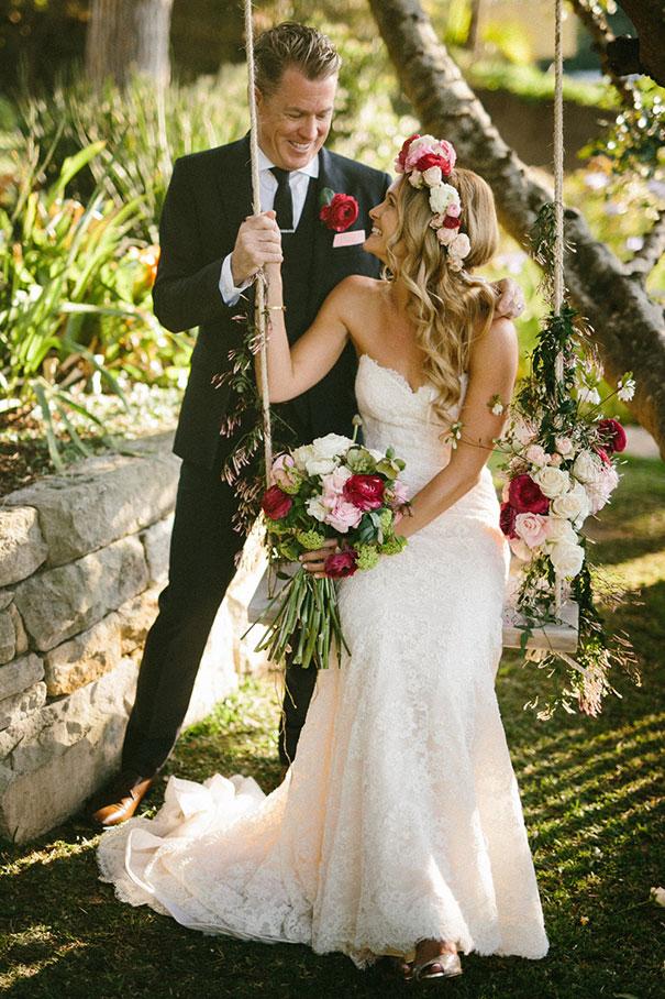 SK--137_Bride-and-groom-swing