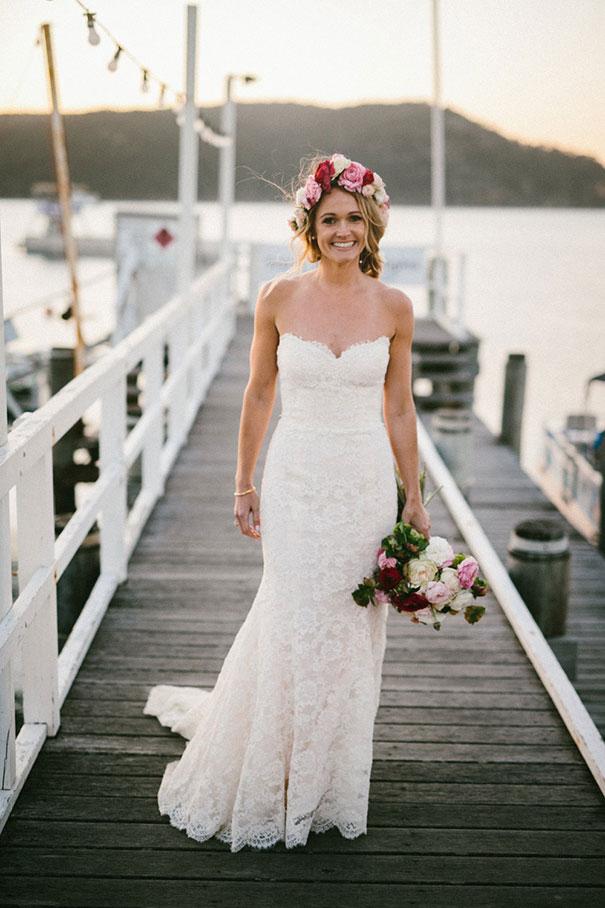 SK--181_Bride-on-wharf
