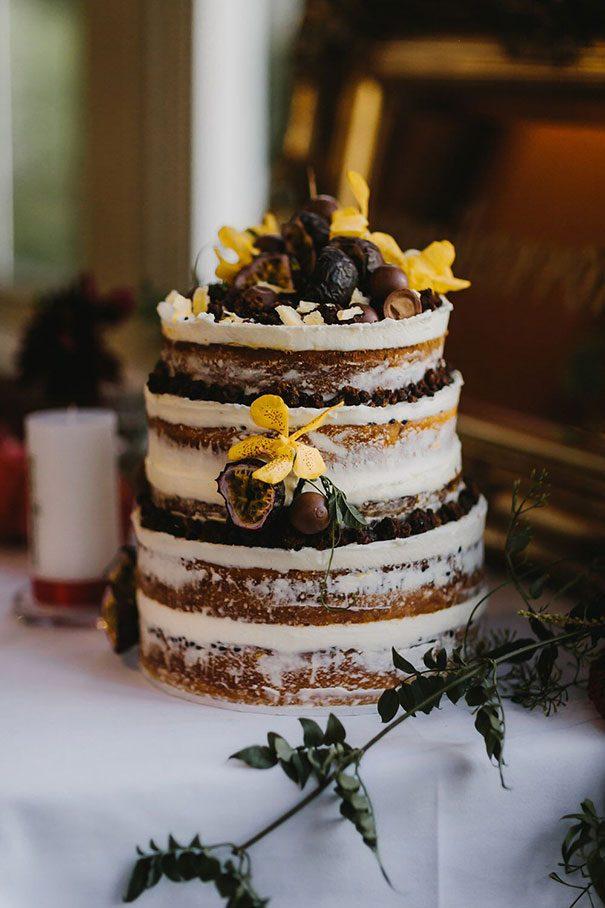 cake2-oli-sansom-weddings